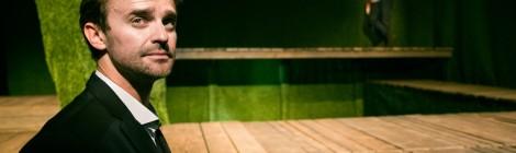 Efekt plastikowej trawy (W mrocznym mrocznym domu)