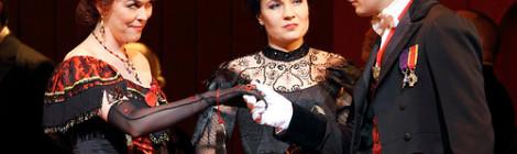 Święta i ladacznica (La Traviata)