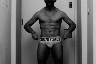 Nieziemski bój z obcym (Solar plexus)
