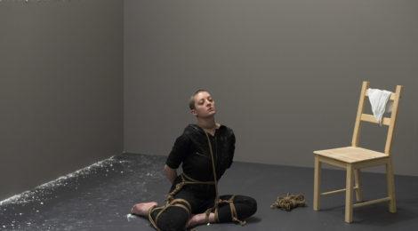 Przez Marinę Abramović głębiej w performans (wystawa As One)