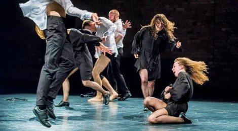 Śmieszki i tancerze (Bataille i świt nowych dni)