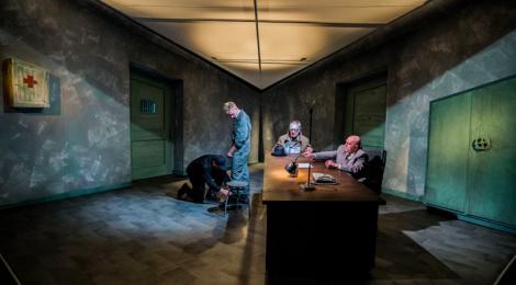 Teatr absurdu, ale nie do końca jak u Mrożka… (Policja)