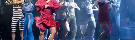 Między musicalem a komedią (Kobiety na skraju załamania nerwowego)